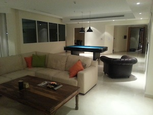 interior decor dubai marina bachelor accommodation