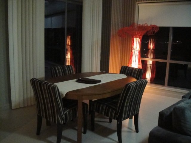 dining area, living room decor, stripe wallpaper, consultation, dubai, southridge downtown
